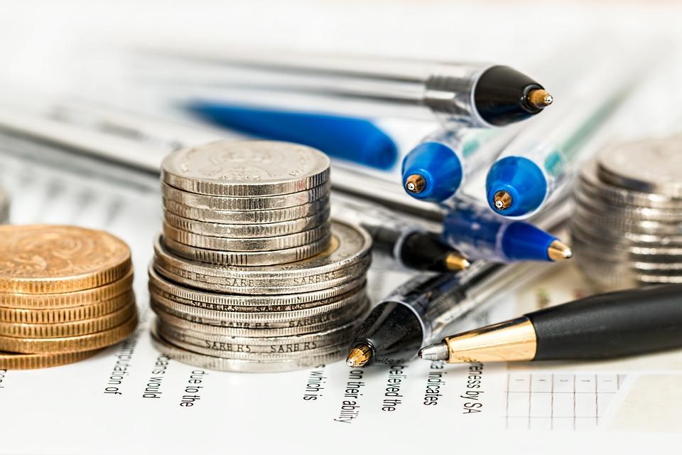 coins 948603 960 720 - 4 ภาษีที่ต้องรู้สำหรับการนำเข้าสินค้า